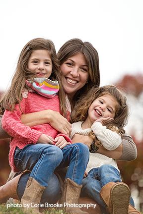 Shira Z. Photography – Long Island Family and Newborn Photographer bio picture